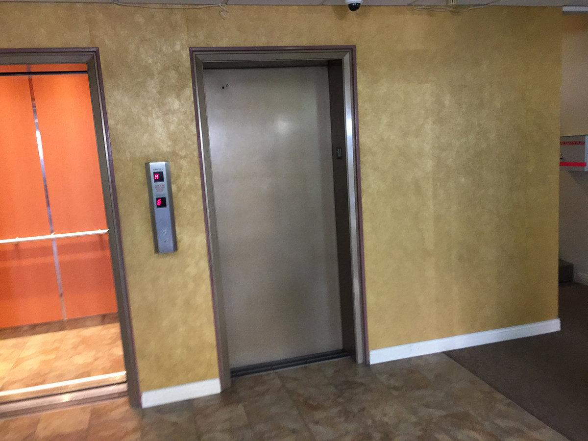 1100 Harwood Elevator!