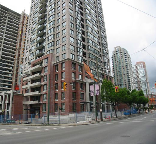 Yaletown Park 2 at 909 Mainland Street, Vancouver!