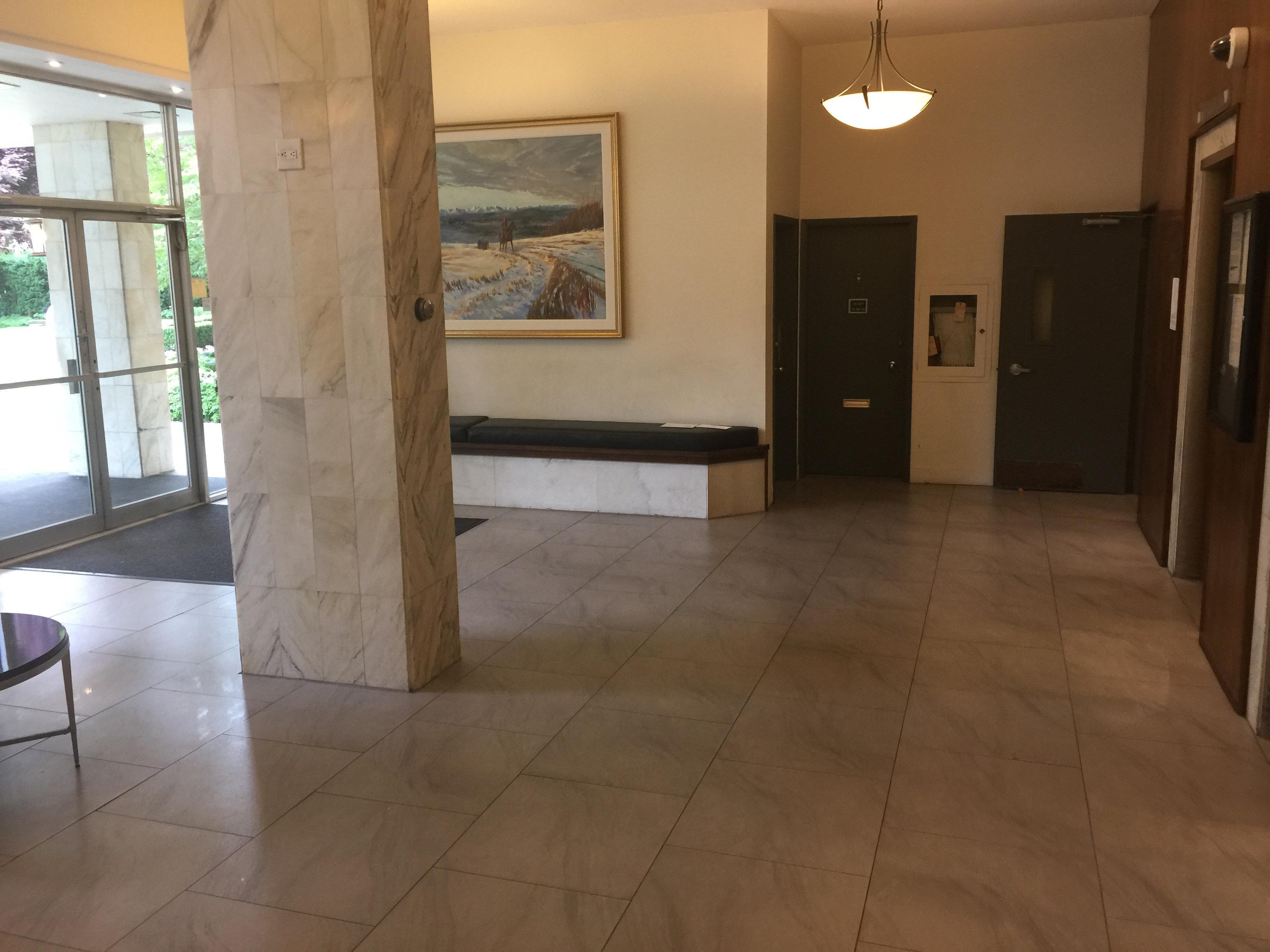1850comox Lobby!