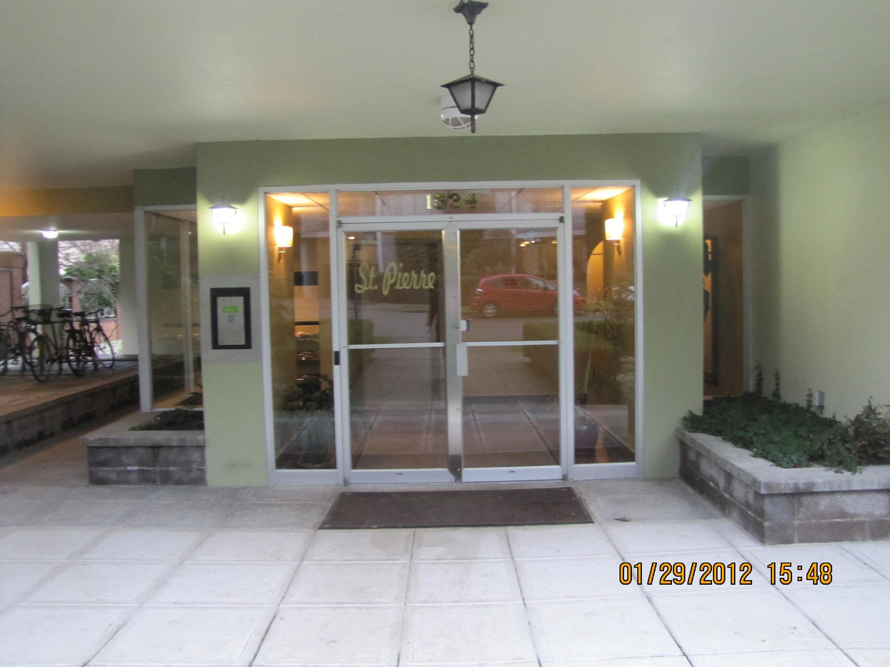 1534 Harwood Street Entrance!