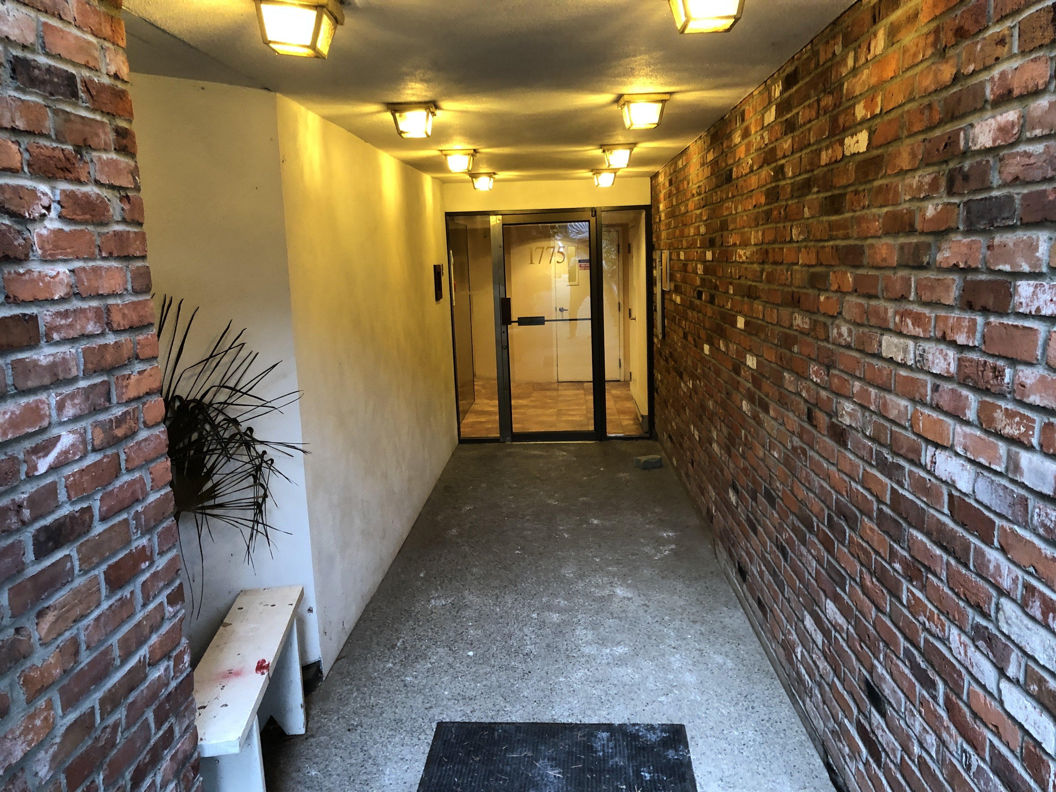 1775 W 10th  Entrance!