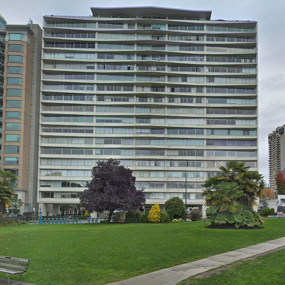 Ocean Towers at 1835 Morton Ave. - Typical building exterior!