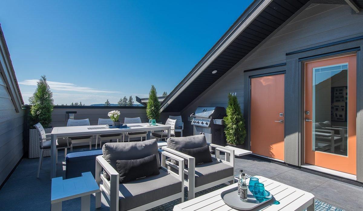 Rooftop Patio - 3535 Princeton Ave, Coquitlam, BC V3E 3H1, Canada!