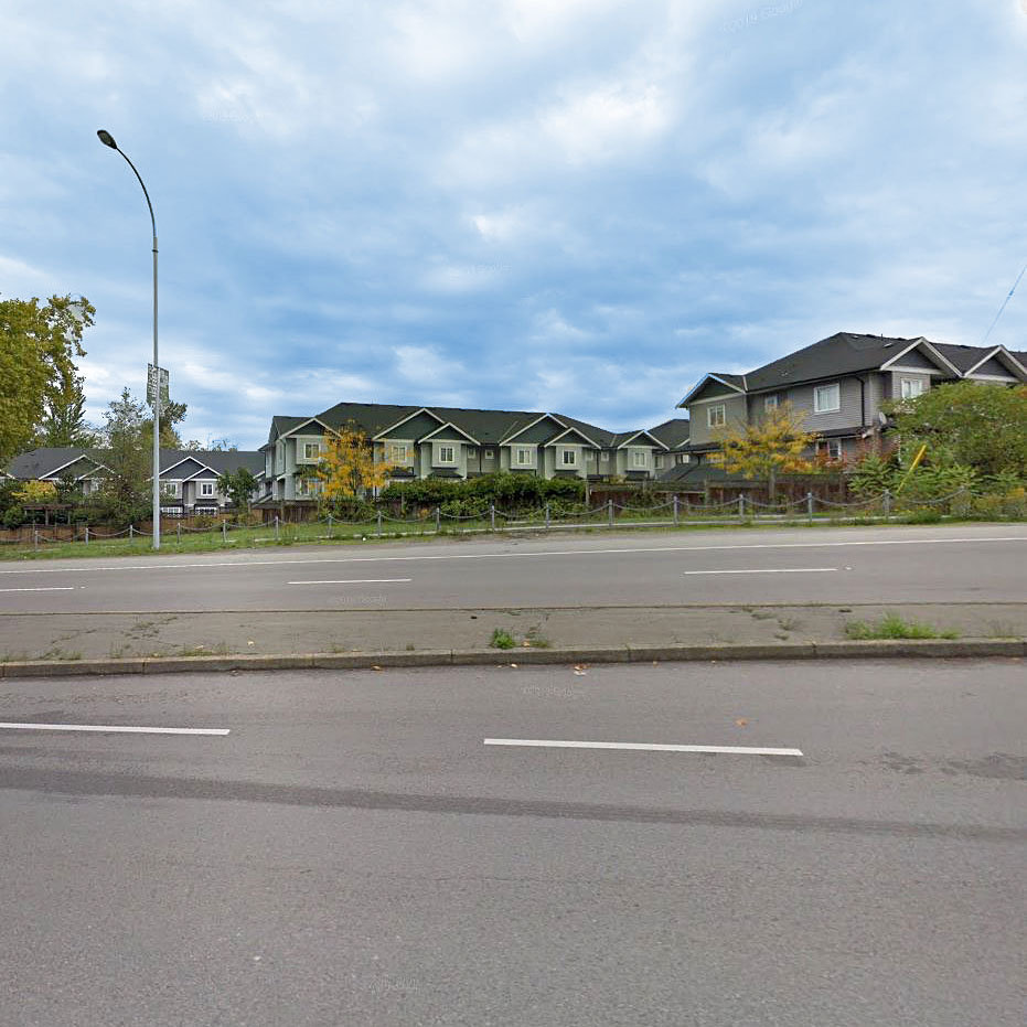 Fraserview Terrace - 11255 132nd St.!