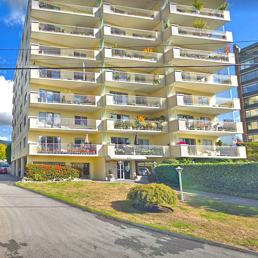 Surfside Towers - 2187 Bellevue Avenue!