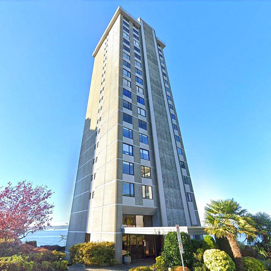 Bellevue Terrace - 2240 Bellevue Ave.!