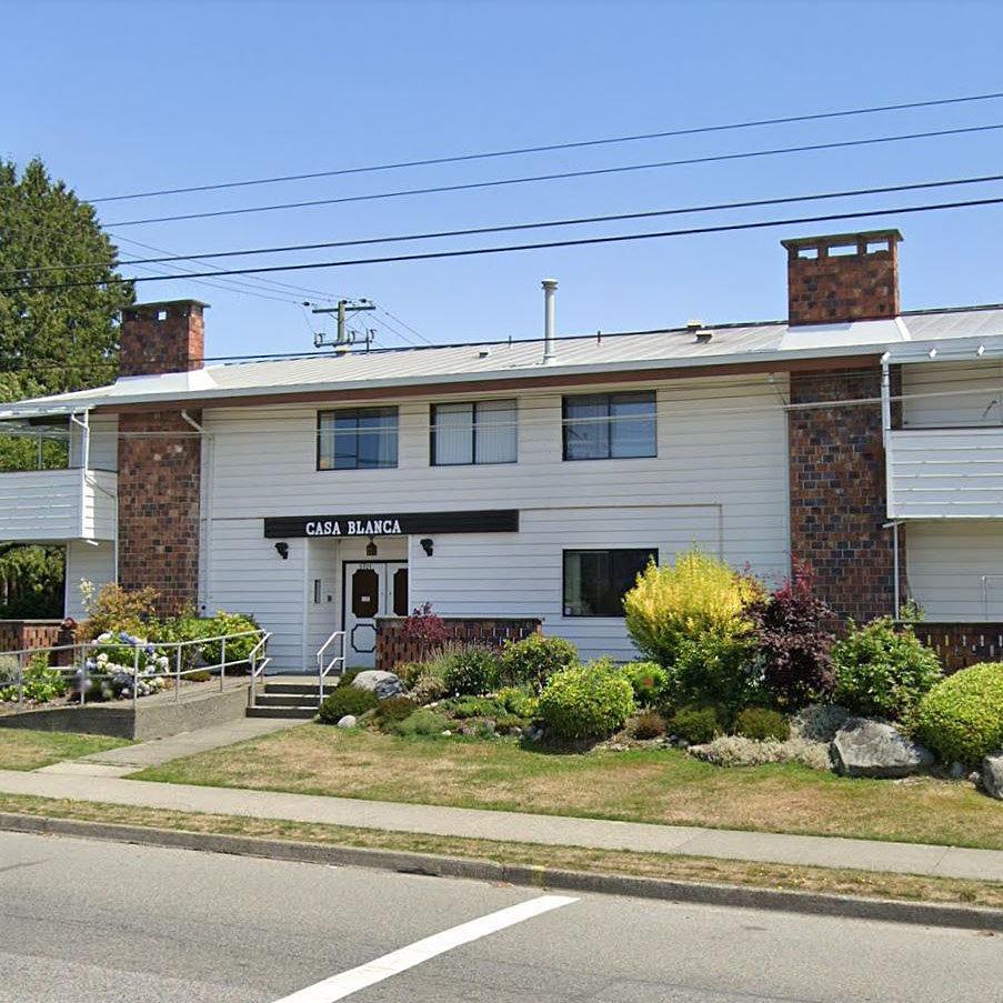 Casa Blanca - 6904 Fraser St.!
