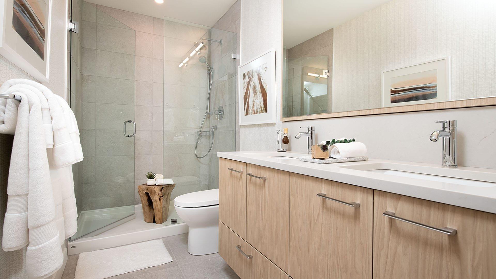 Bathroom - 3182 Gladwin Rd, Abbotsford, BC V0V 0V0,Canada!
