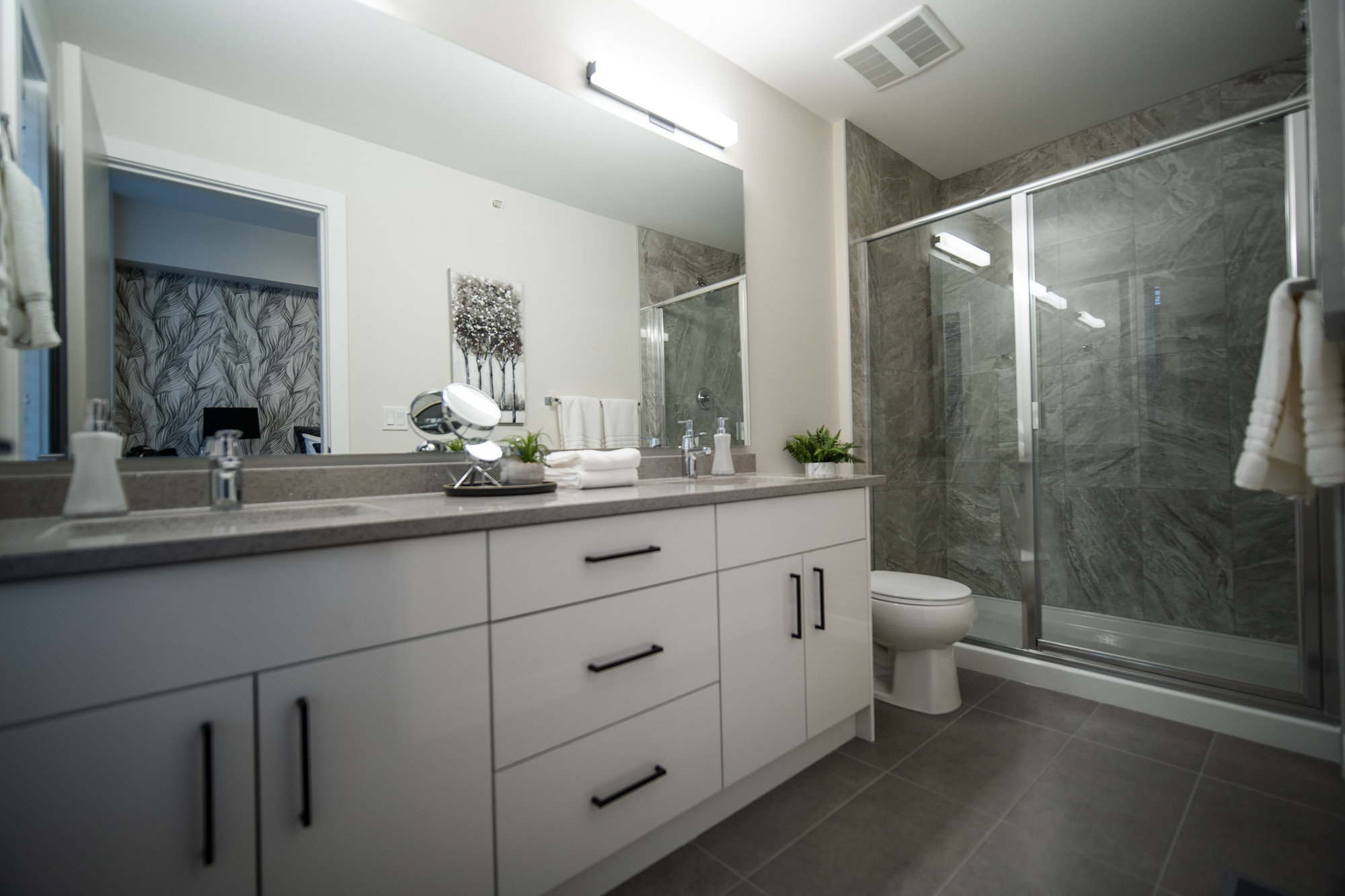 Bathroom - 46150 Thomas Rd, Chilliwack, BC V2R 6B3, Canada!