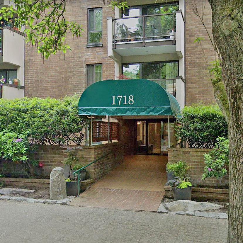 Regency Terrace - 718 Nelson St.!
