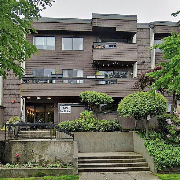 Landmark Manor - 440 East 5th Avenue!