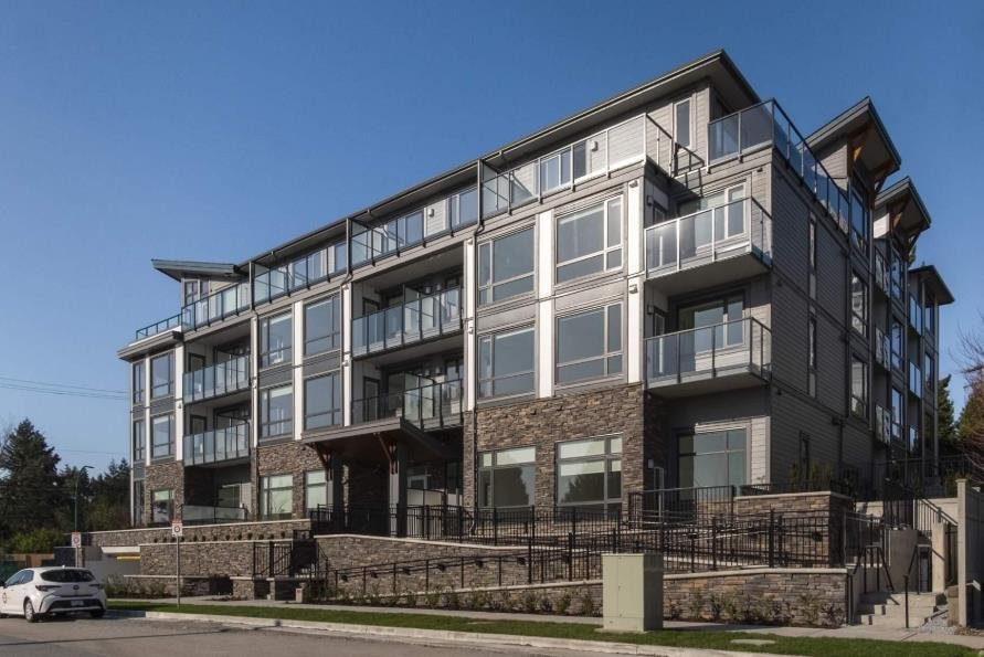 Residences at the Heights - 951 Charland Ave - Exterior!