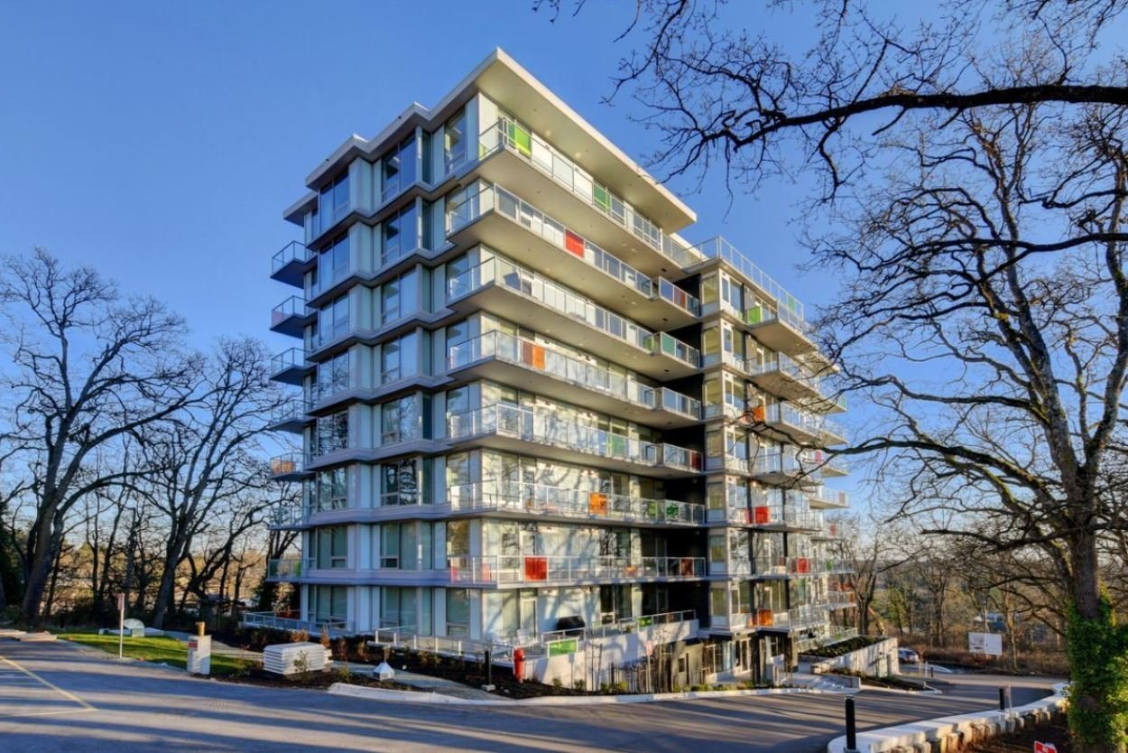 Lyra Residences - 4009 Rainbow Hill Lane - Display!