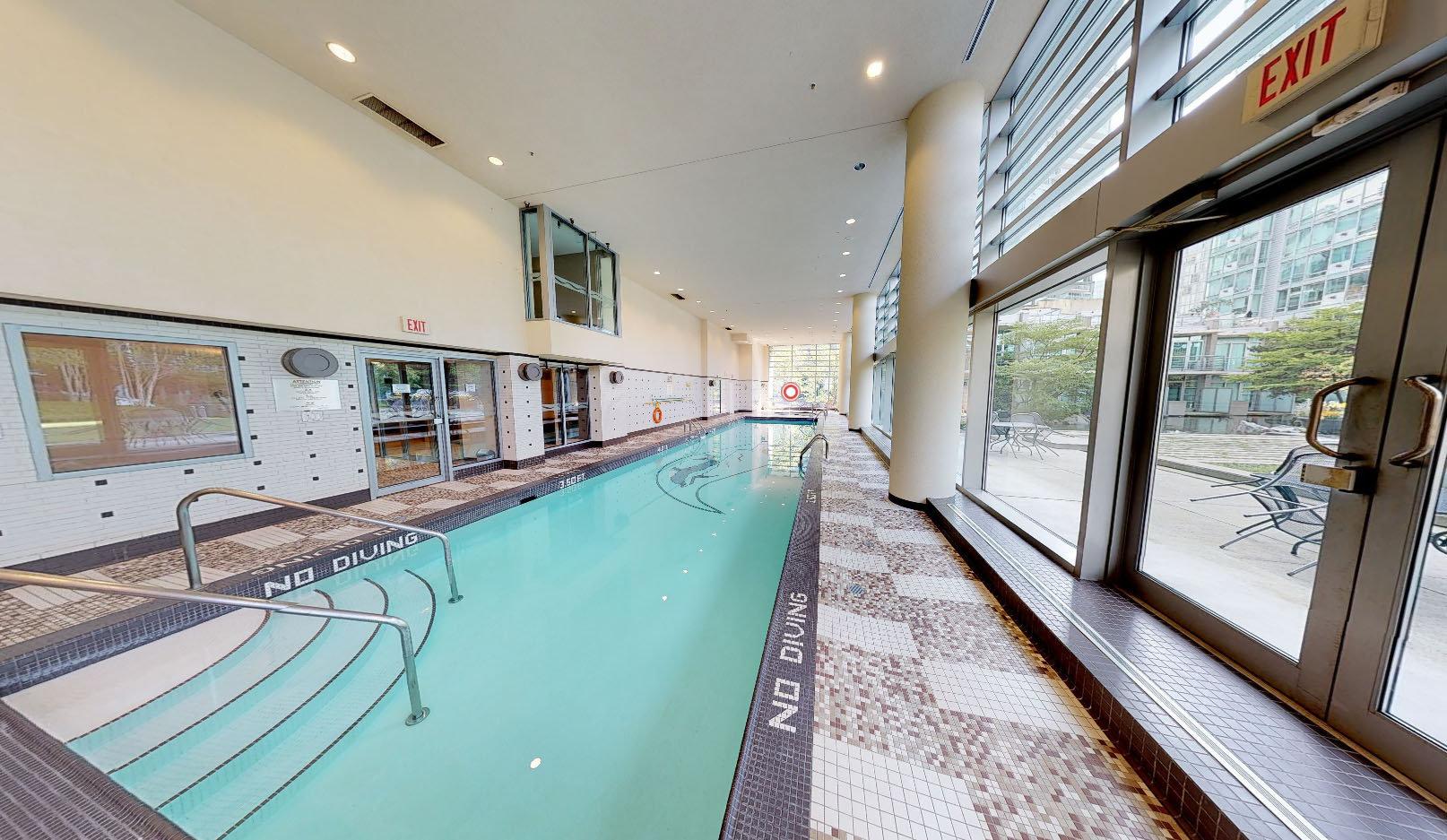 Cascina - 590 Nicola St - Indoor Pool!