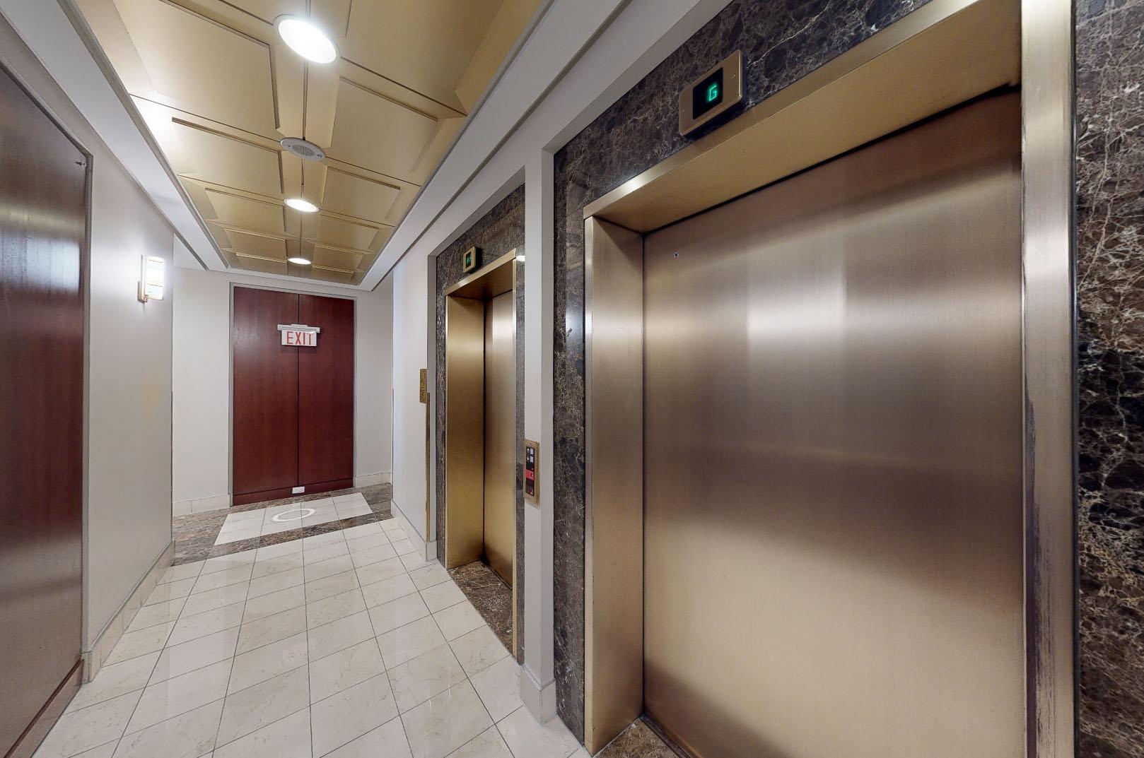 Crestmark 1 - 1288 Marinaside Crescent - Elevator!