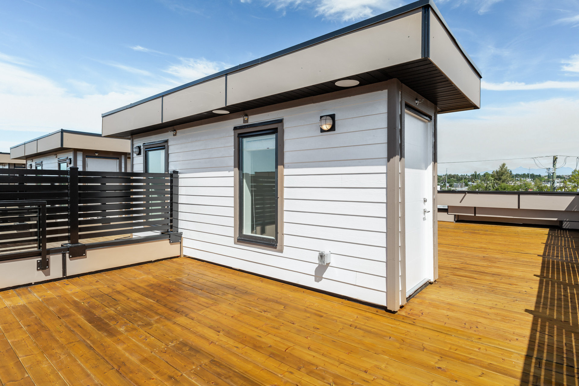 Rooftop Terrace - 19624 56 Ave Langley City, BC V3A 3X6 Canada!