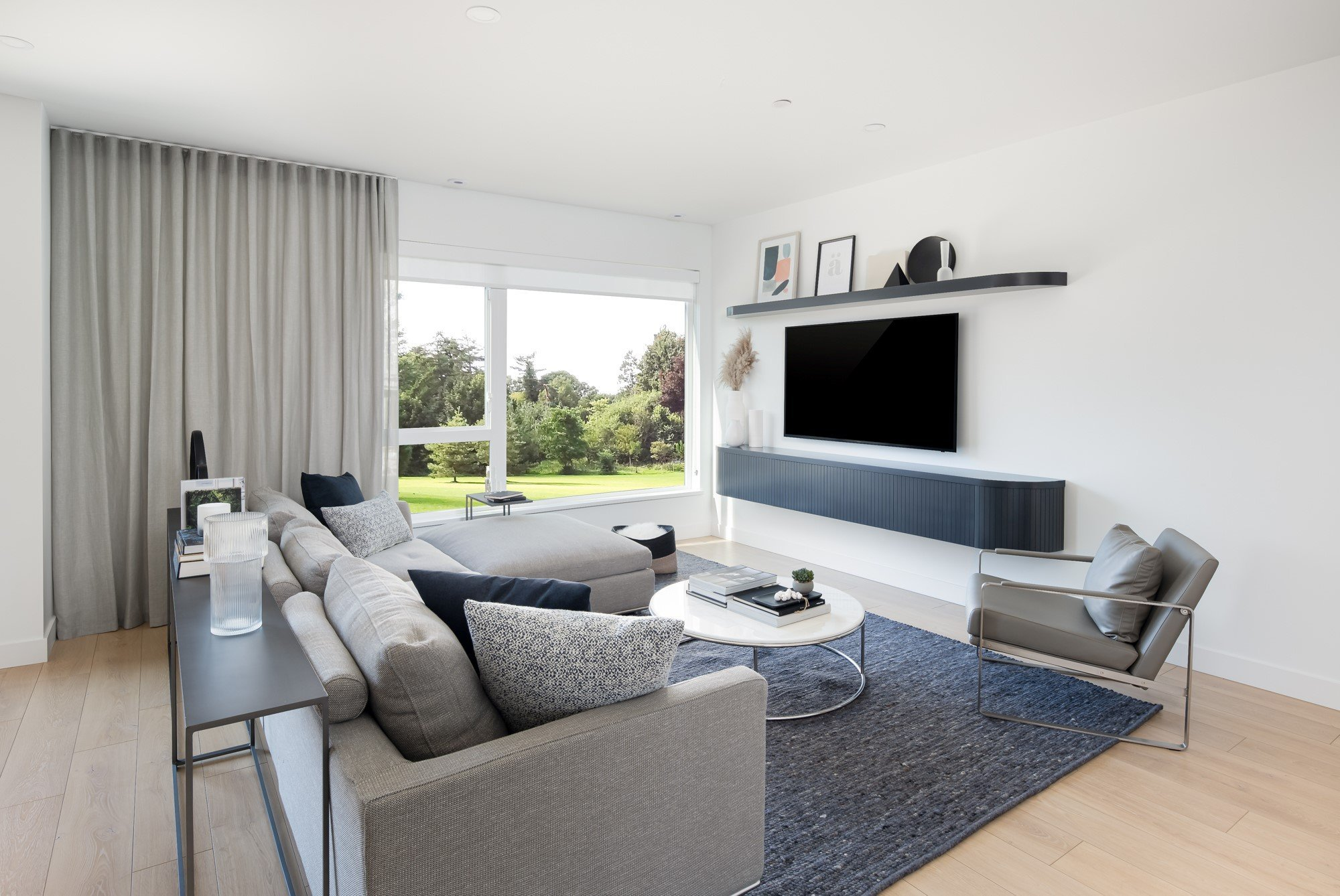 Living Area - 602 Lile Dr, North Vancouver, BC V7G 0A4, Canada!