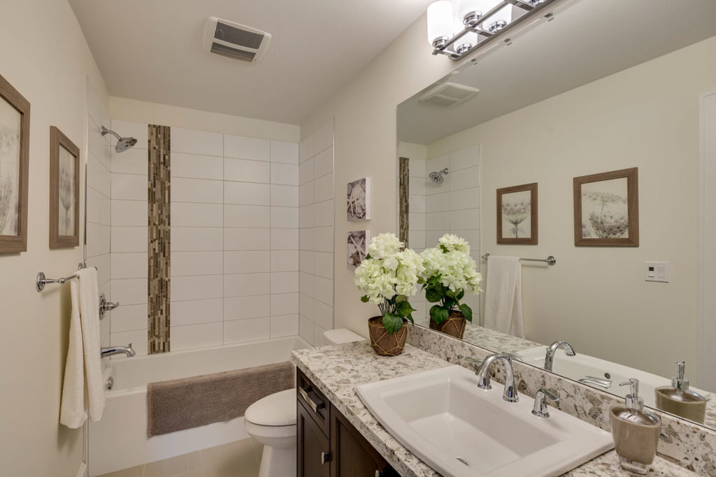 Harrison Highlands - Salsbury - Bathroom!