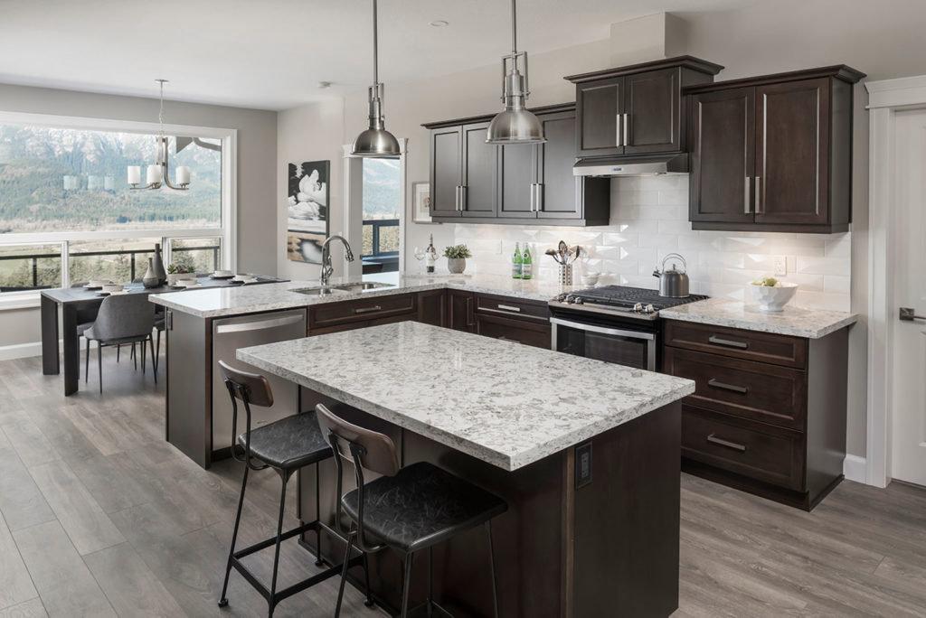 Harrison Highlands - Hatzic - Kitchen/Dining!