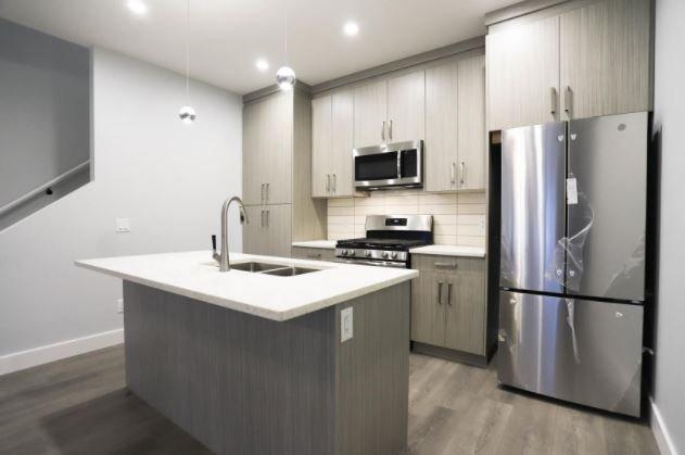 Modern Stockwell - 795 Stockwell Avenue, Kelowna - display kitchen area!