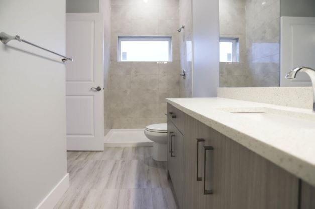 Modern Stockwell - 795 Stockwell Avenue, Kelowna - display bathroom!