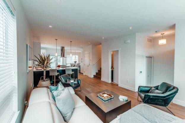 Gyro Beach Townhomes - 3510 Landie Road, Kelowna - Living Room!