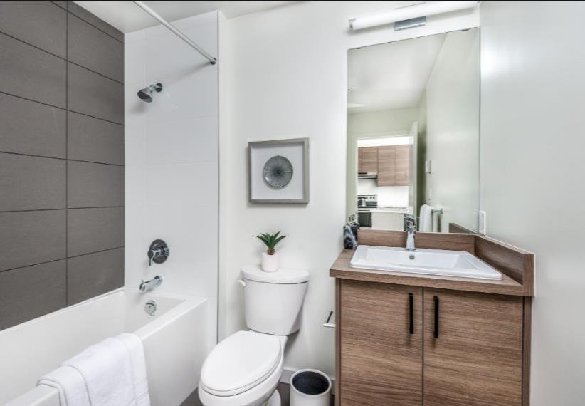 Crossing at Belmont - 945 Reunion Avenue, Langford - Display Bathroom!