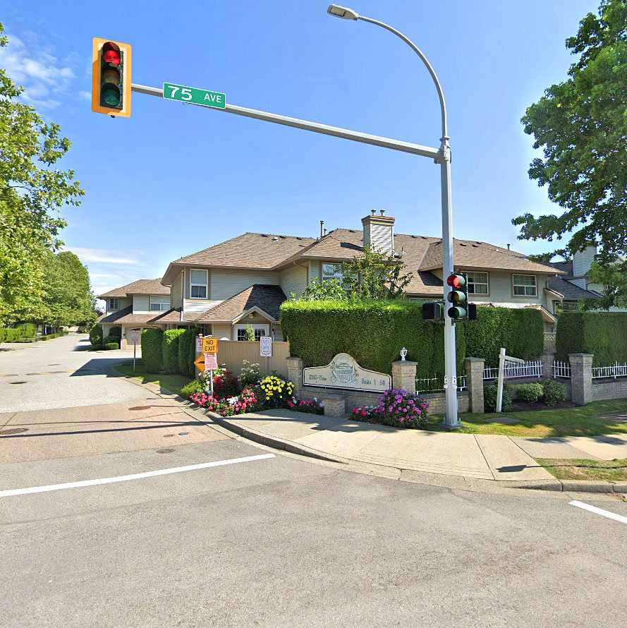 Strawberry Hill - 12165 75th Ave!