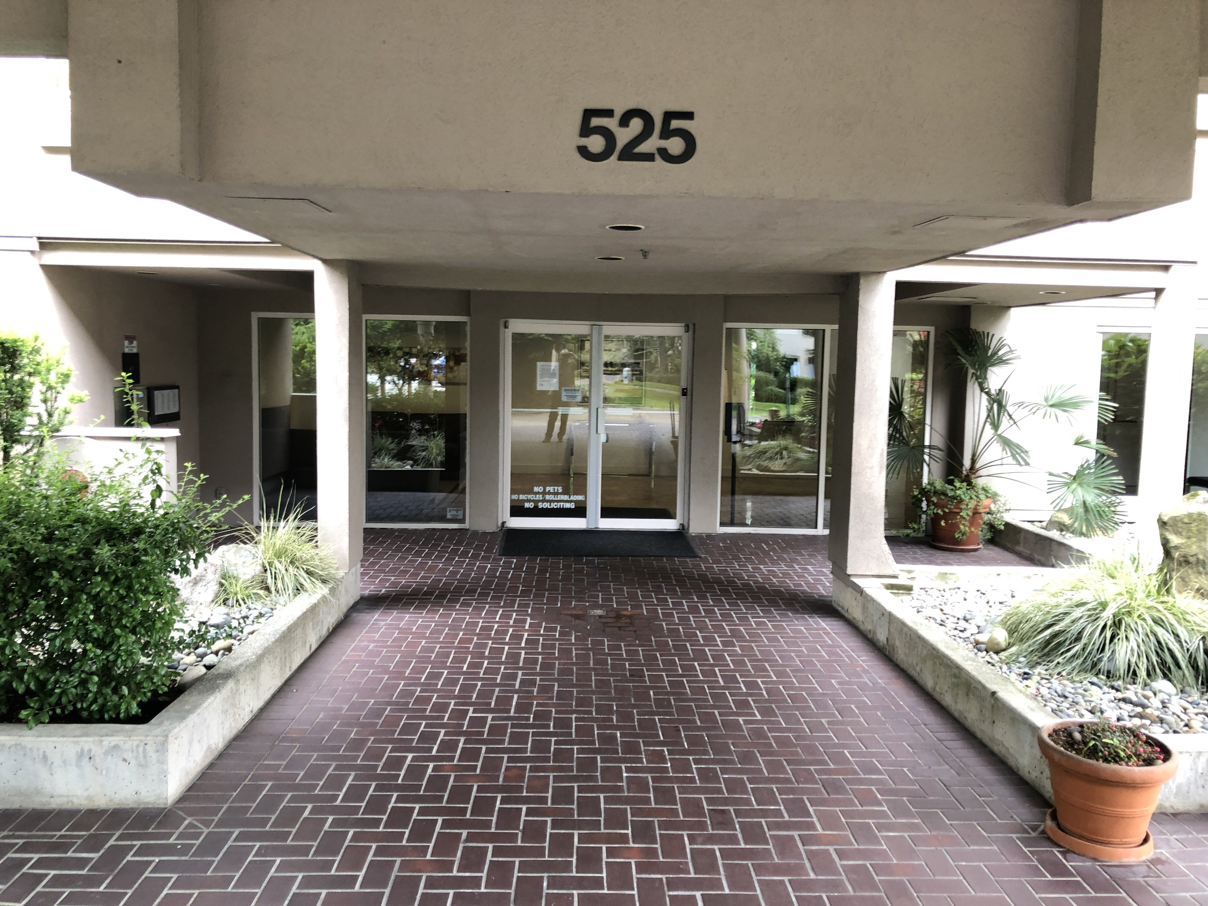 Henley Court - 525 Wheelhouse Square!