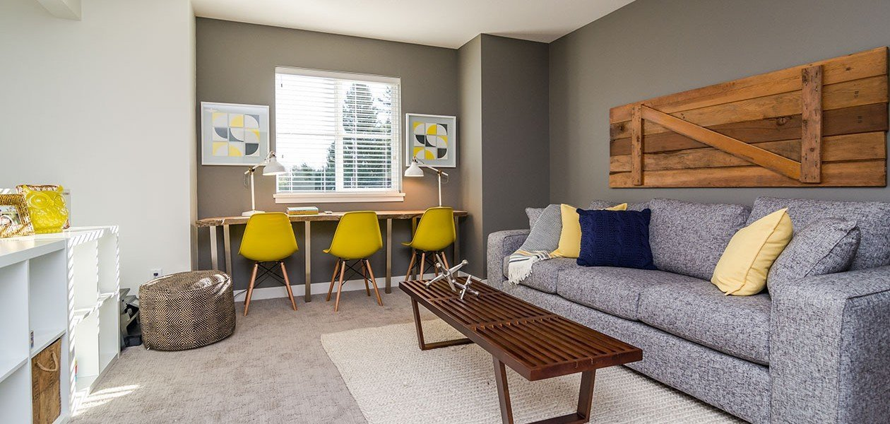 Living Area - 27161 35A Ave, Langley, BC V4W 0C3, Canada!