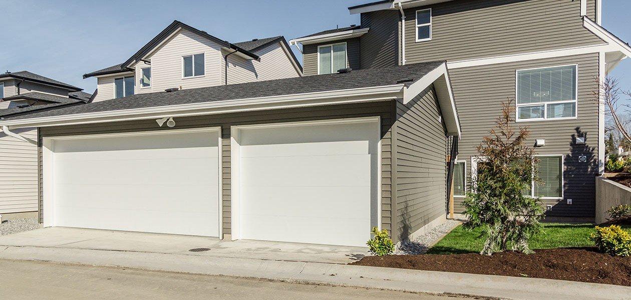Garage - 27161 35A Ave, Langley, BC V4W 0C3, Canada!