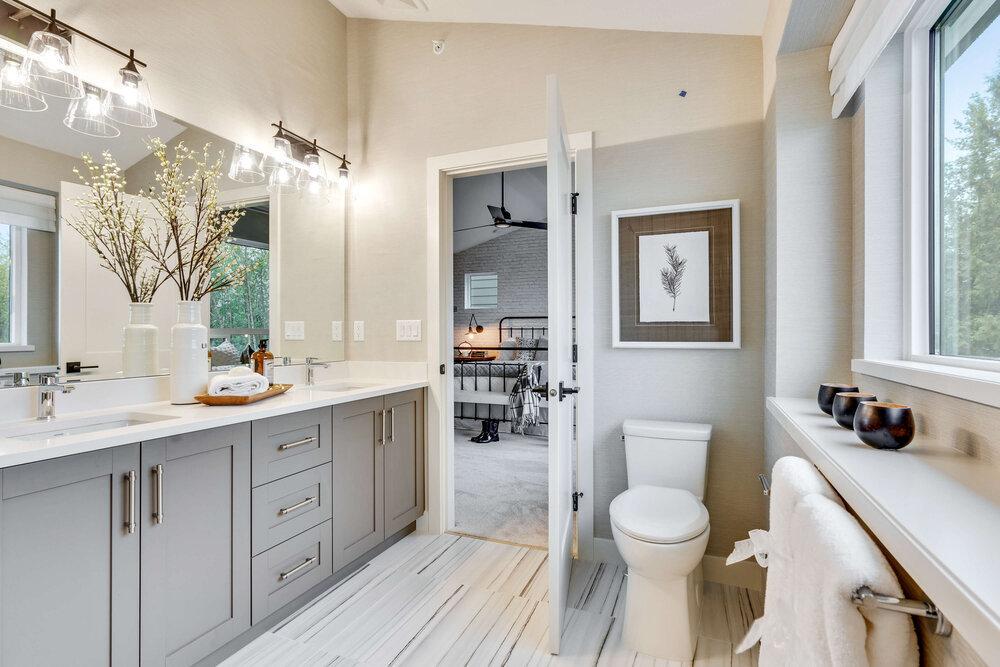 Mayfield Bathroom!