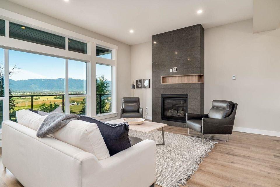 Living Area - 6262 Rexford Dr, Sardis, BC V2R 4S5, Canada!