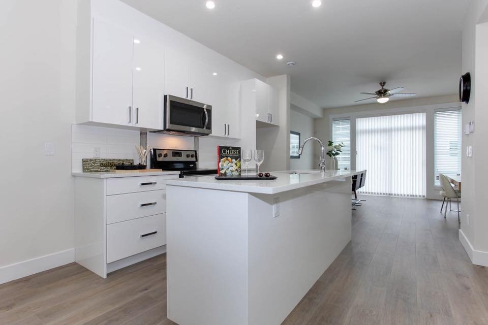 City Park Townhomes - 19753 55A Ave, Langley, BC V3A 3X2, Canada!
