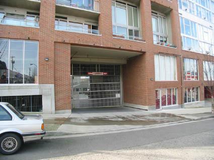 parking_entrance.jpg!