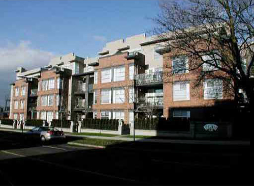Main Image for Carlings, 2181 W 12th Ave