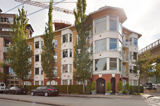Main Image for Gryphon Court, 1562 W. 5th Ave