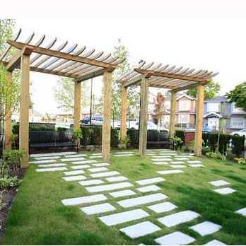 King Edward Village - Courtyard!