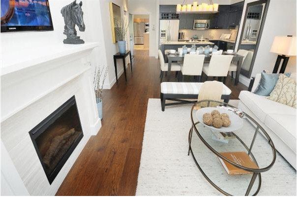Edgewater - Living room!