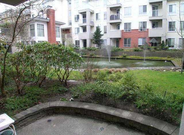 Building Exterior/Garden!