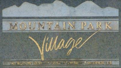 Mountain Park Village 1386 LINCOLN V3B 7G6