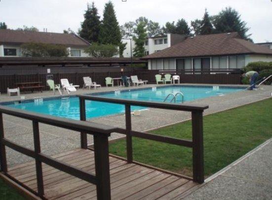 7359 Montecito Burnaby BC - Swimming Pool!