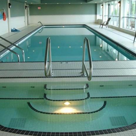 Swimming Pool and Hot Tub!