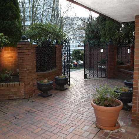 Courtyard Entrance!