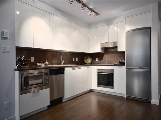 Cosmos - Kitchen!