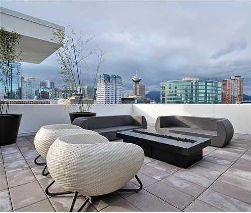 Cosmos - Rooftop lounge!