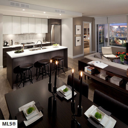 Display Suite Living & Dining!