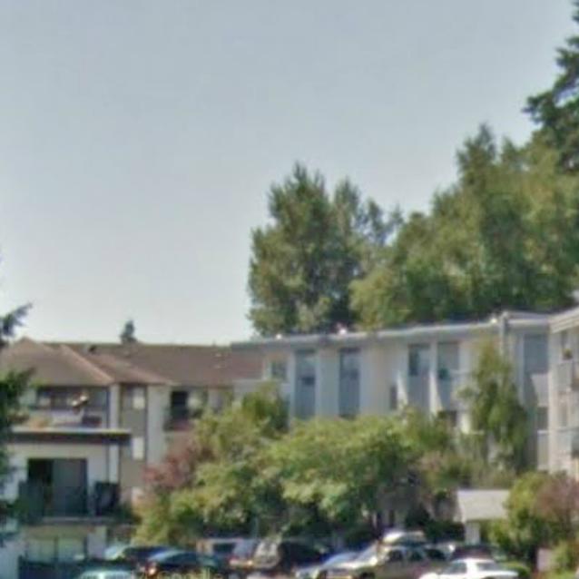 Typical Woodridge Estates exterior!