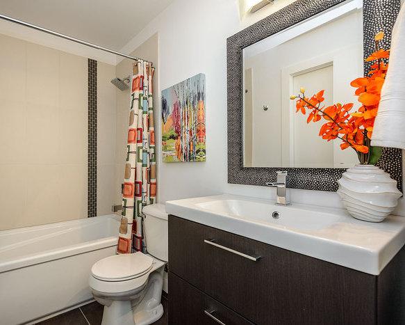 2871 Jacklin Road, Langford, BC V9B 5R8, Canada Bathroom!
