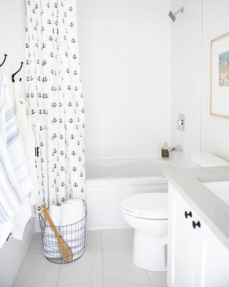 15688 28 Ave, South Surrey White Rock, BC V3Z 0N1, Canada Bathroom!